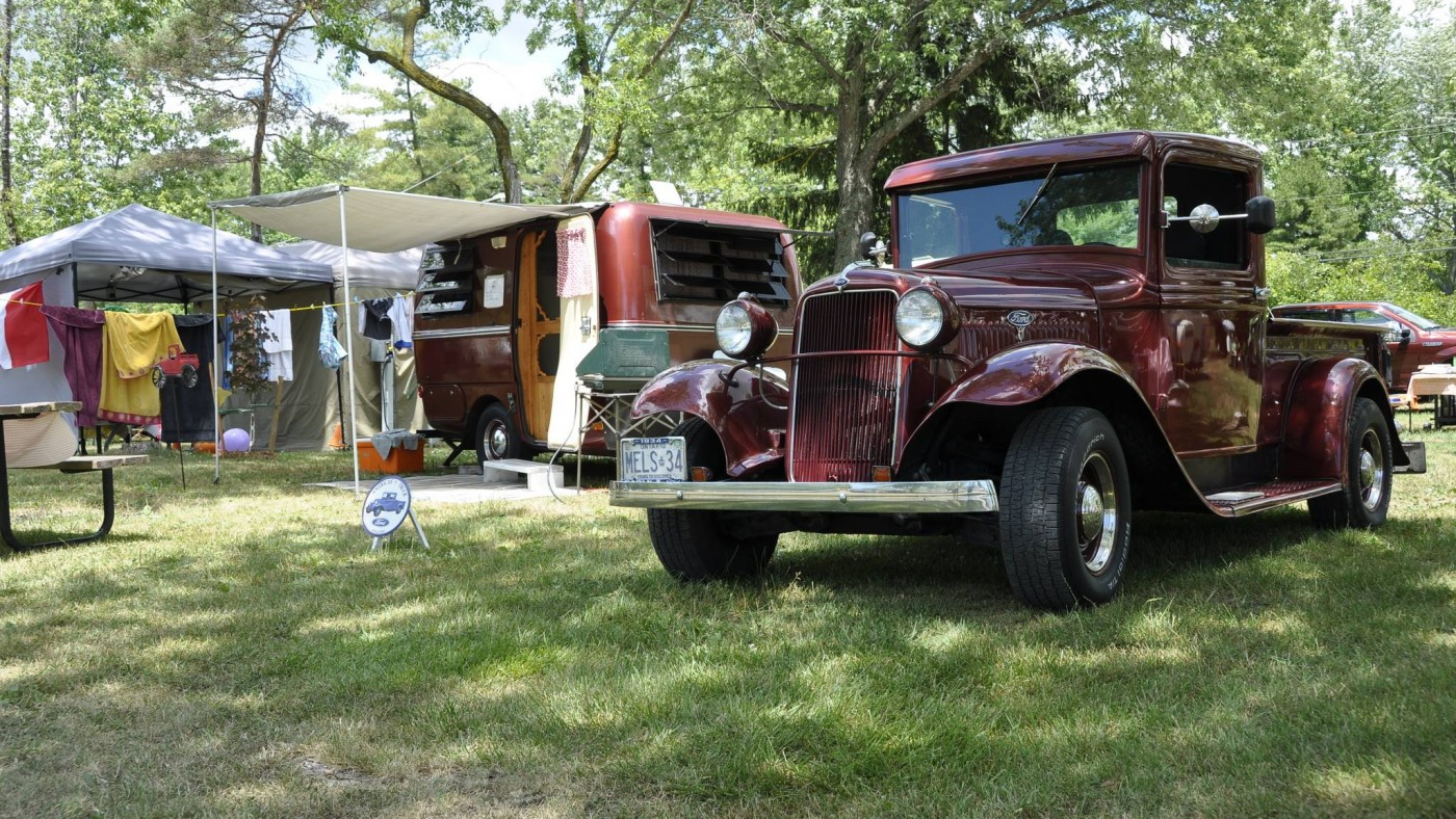 Old-school vehicle at Bolerama event